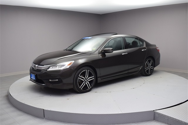 Certified Pre Owned 2017 Honda Accord Touring 4d Sedan In Woodside