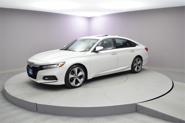 Certified Pre Owned 2019 Honda Accord Touring 2 0t 4d Sedan In Woodside B10188t Paragon